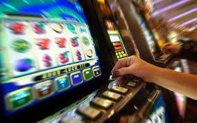 กรรมวิธีการเล่นเกมสล็อตออนไลน์ ให้ได้เงินจริง ผิดทุจริตแน่นอน